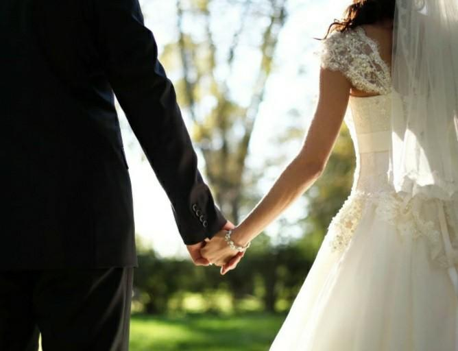 Do you guys think its possible to be in a sexless marriage for over 10 years without someone cheating?
