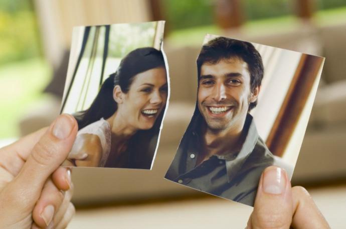 Do you keep the photos of your exes?