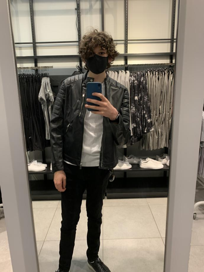 Which outfit looks best on me I am straight and want to impress girls, I am 15?