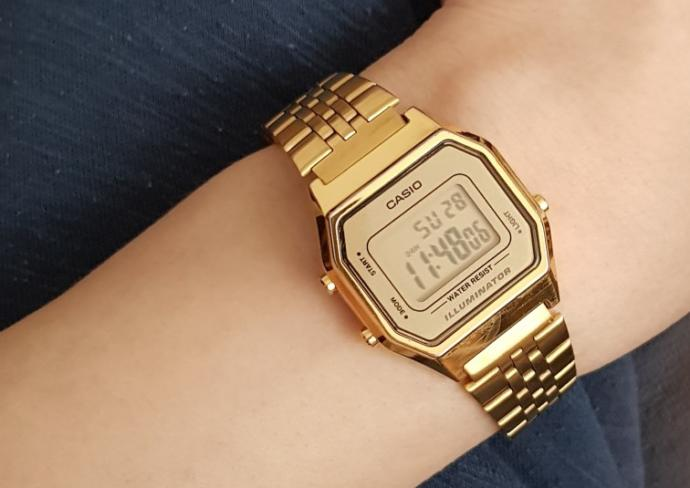 What do you think about girls who wear Casio-watches?