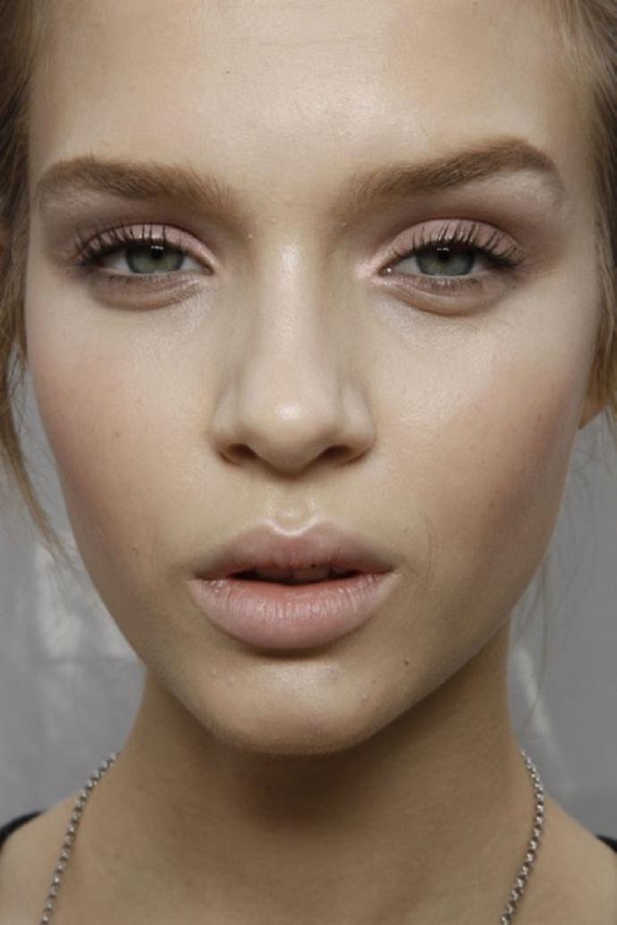 Can you tell when a woman is wearing makeup? (TEST)?