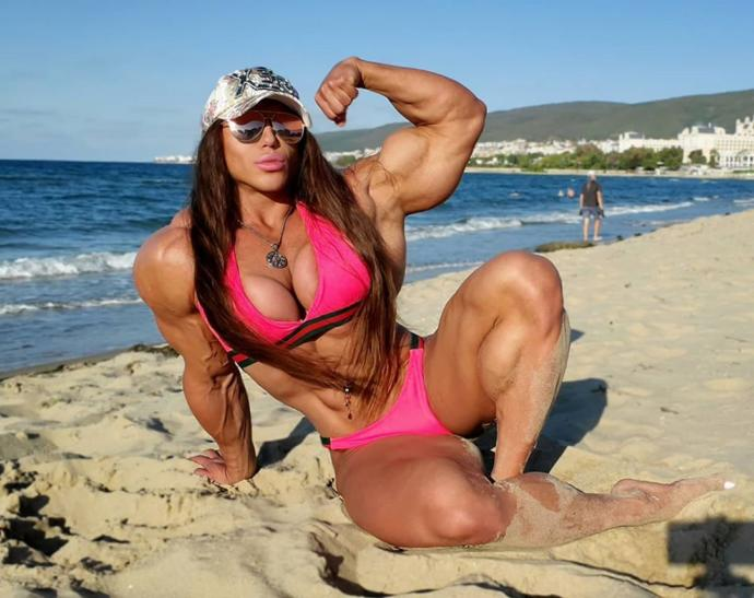 😈🤤😈🤤Large Brow, Large Lips, Large Eyes, Large Muscles, Large Breasts= My Dreambabe. Whats Yours Look Like?💋😍🖤😍💋?