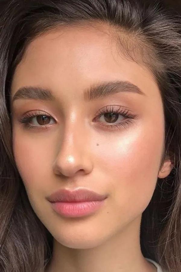 Makeup vs no makeup?