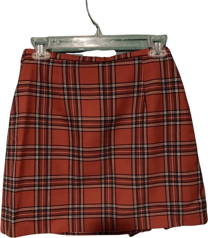 Which red, plaid skirt is the best looking?