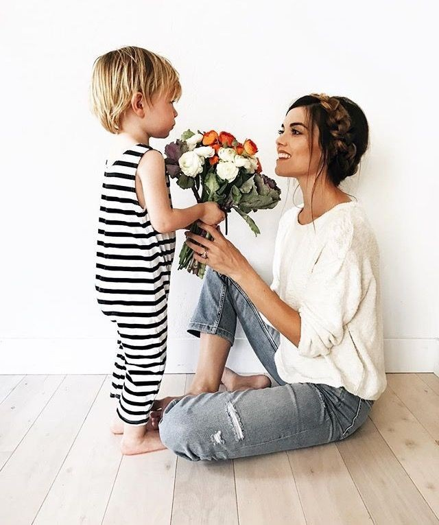 Can you post a fun picture of a mother and their children for mothers day?