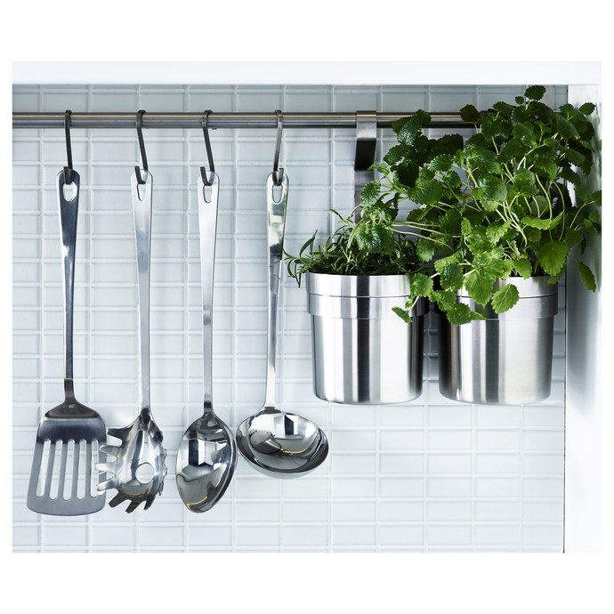 What type of kitchen utensils do you prefer to use in the kitchen and why?