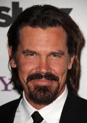 Do YOU think actor Josh Brolin looks attractive? how would you rate his looks?
