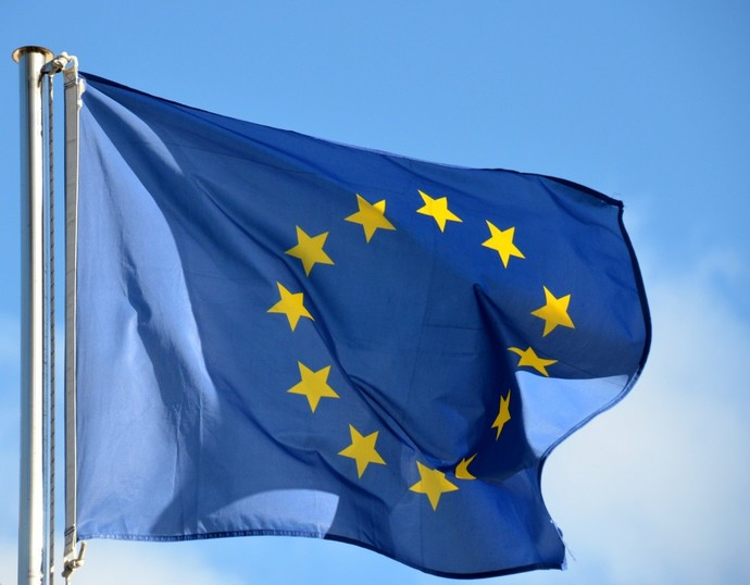 Why cant the European Union manage to be a Political / Geopolitical giant?