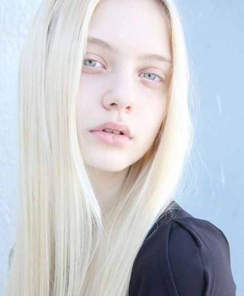 Between two extremes, would you rather date an Albino or a Melanistic person?