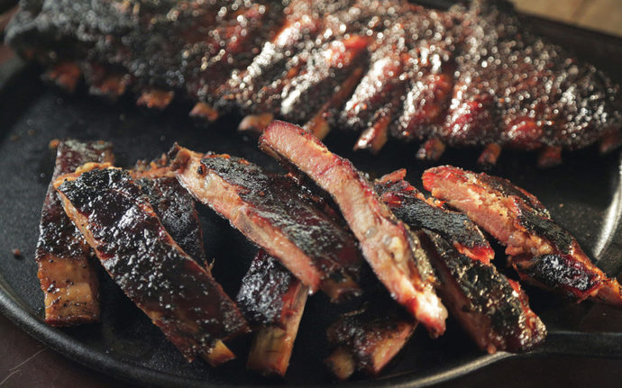 What do you eat barbecue with?