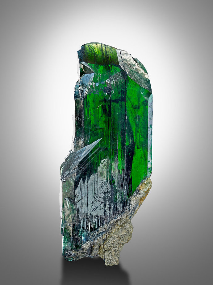 These are all actually Vivianite. Im sure kryptonite was based off of this.