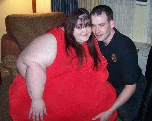 Do fat girls secretly know they are dating a beta male?