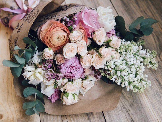 If your girlfriend/wife doesnt like flowers 🌷 as a gift, what would it sat about her personality?