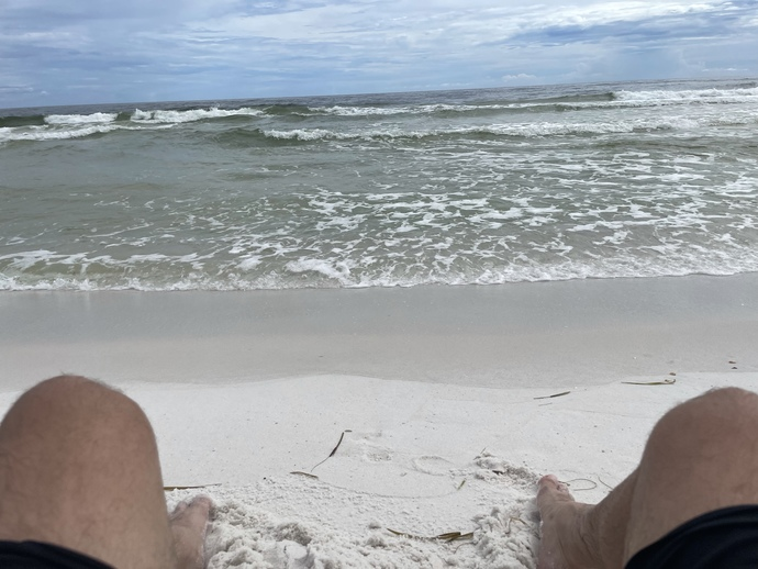 I'm having a great weekend drinking coconut rum 🥥 🌴🍹 on gulf beach shores!!! Who else is enjoying themselves? 😃 is?