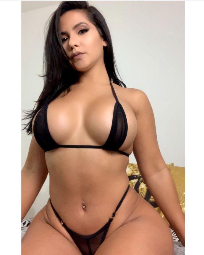 Would you date Venezuelan Pornstar Rose Monroe?