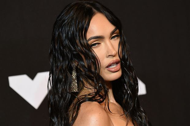 Why does Megan Fox turn me on even though Im straight?