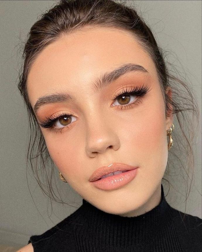 Do men genuinely like brown eyed women?
