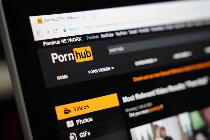 Would you agree if your girlfriend asked you to record your sex and share it online?