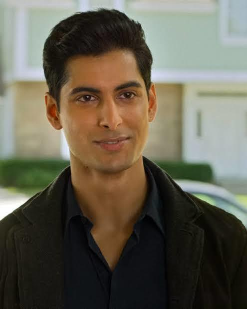 Do you think that attractive indian dont actually look indian?