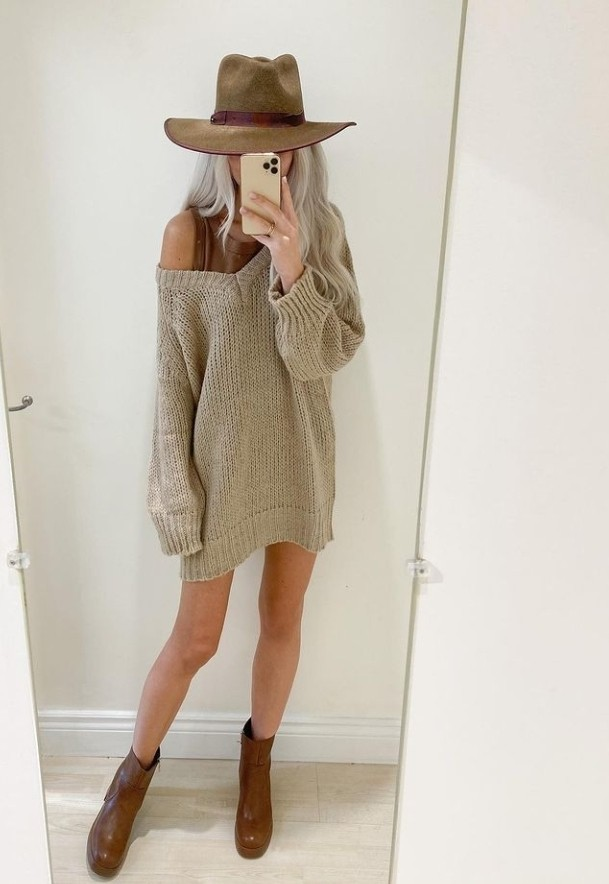 Its sweater weather! Do you like your sweaters a bit oversized or just fits right?