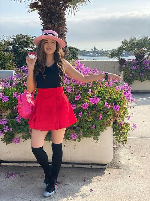 Do you think that pokimane rarely talk about being Morrocan because most people hate Morrocan?