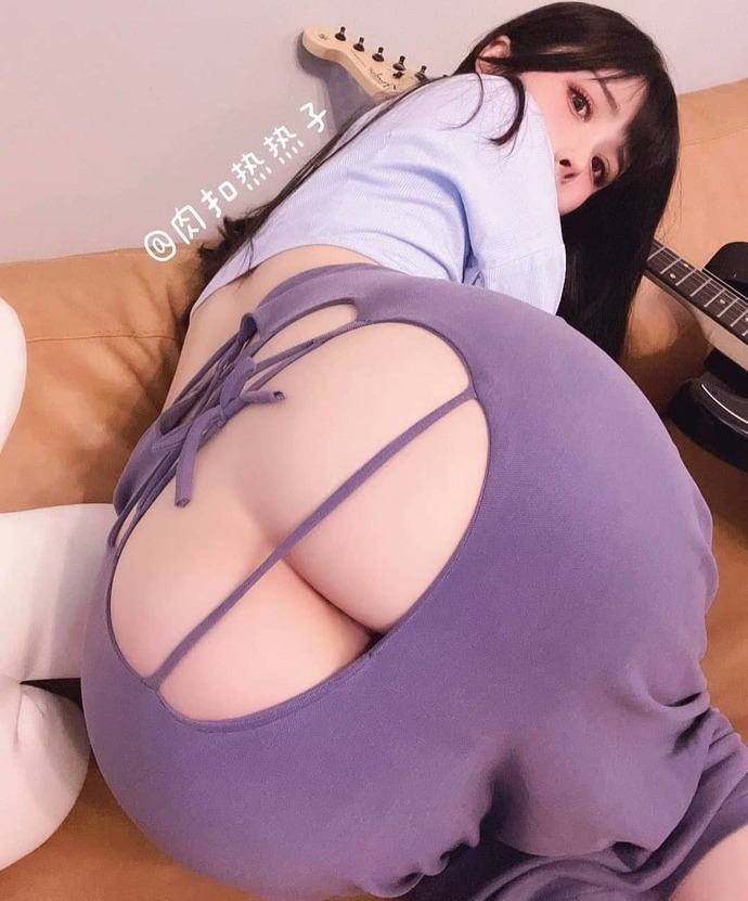 I am not an ass-guy, than why does this picture gives me insane desire to lick and smell her Cute ass?