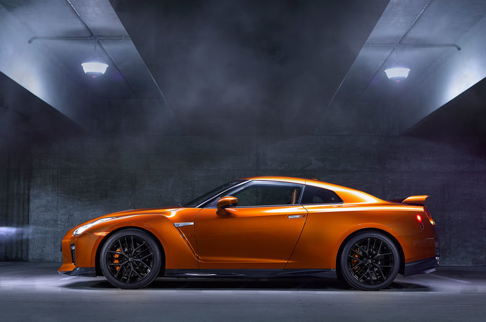 Which of these supercars photographed from the side is more appealing visually?