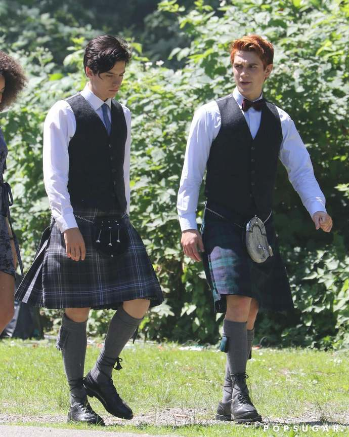 Is a kilt sexy to females or is it too girly?